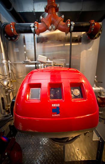 Mobile unit interior with Riello burner